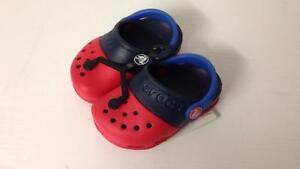 Clog azul 639 Roomy Ii o Electro Rojo Tama Reino Unido Crocs Fit Kids C4 15608 marino vtxqX1Fgw