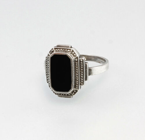 a2-01335 925 Silver Ring with Onyx