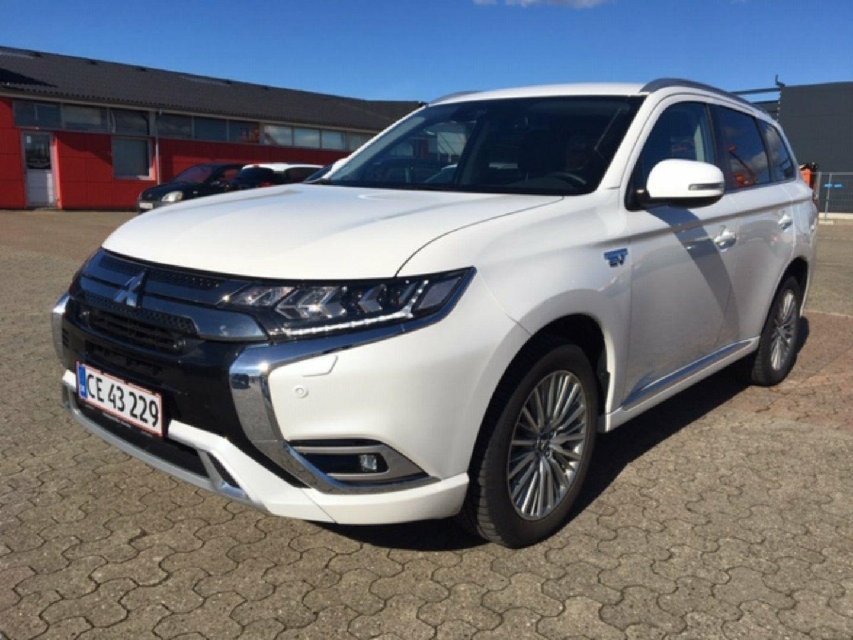 Mitsubishi Outlander 2,4 PHEV Intense CVT 4WD 5d