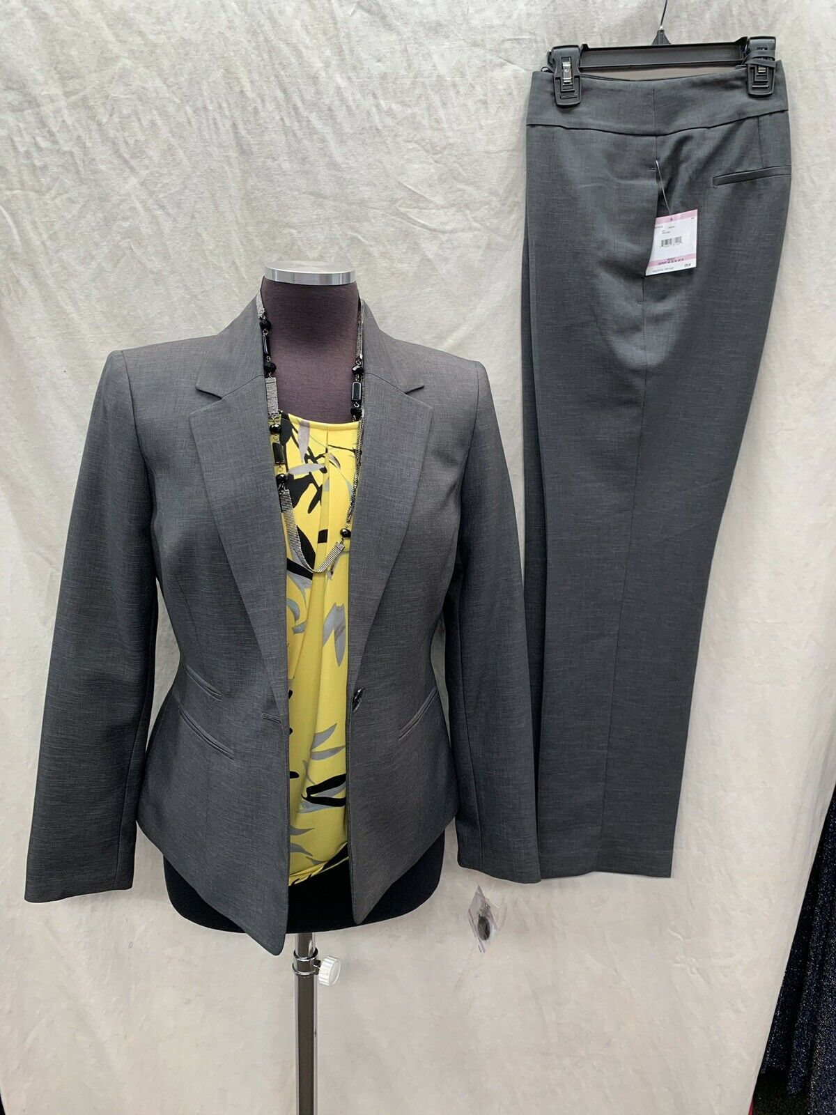 KASPER PANT SUIT SIZE 16 INSEAM32  NEW WITH TAG RETAIL 280 GREY BLAZER LINED