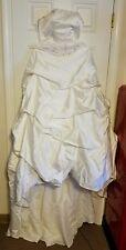 Gorgeous Wedding Dress w/Beaded & Embroidered, Pleats, Ruffles Size 12 ~LQQK!