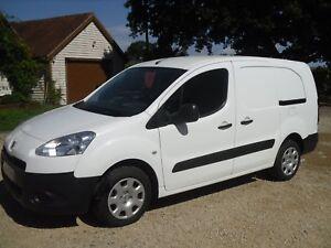 2014-Peugeot-Partner-L2-1-6-E-HDI-92-750-SE-1-owner-from-new