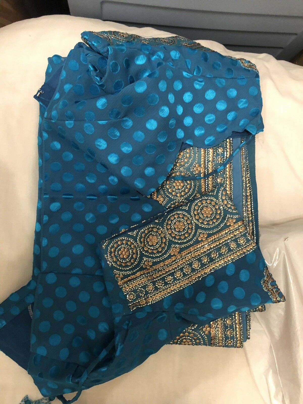 Indian Wedding Saree  With blouse  rough Size 44-46 (as they are Ready Made)