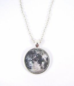 Planet-Full-Moon-Design-Silver-Plated-Necklace-New-in-Gift-Bag-Astronomy-Space