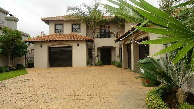 5 Bedroom House To Let in Dainfern Golf Estate