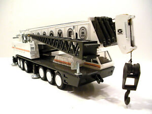 NZG-152W-Grove-TM1500-Mobile-Crane-White-1-55-Die-cast-MIB