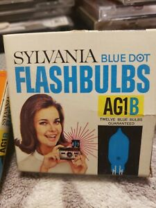 Vintage Sylvania Blue Dot Flashbulbs AG1B Full Pack Of 12+ Partial 8 =20 Total