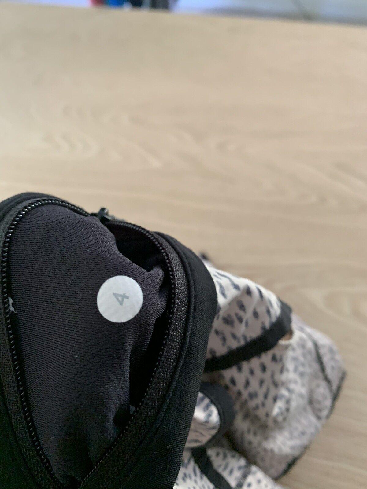 "Lululemon Speed Shorts Size 4 Reg 2.5"" Dottie Das… - image 10"