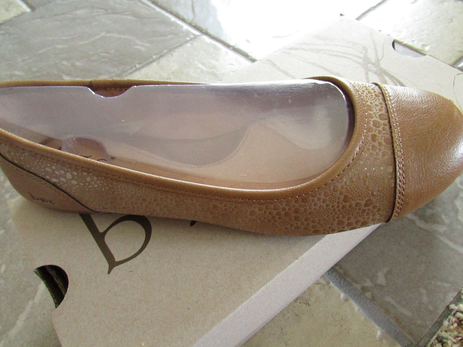 NEW BORN B.O.C BINTA TAN FLATS SHOES WOMENS 8 TAN LIZARD PU   FREE SHIP