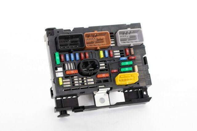 PEUGEOT 307 308 607 807 EXPERT PARTNER UNDER BONNET FUSE BOX PSA 9807028780