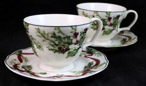Charter-Club-WINTER-GARLAND-2-Cup-amp-Saucer-Sets-GREAT-CONDITION