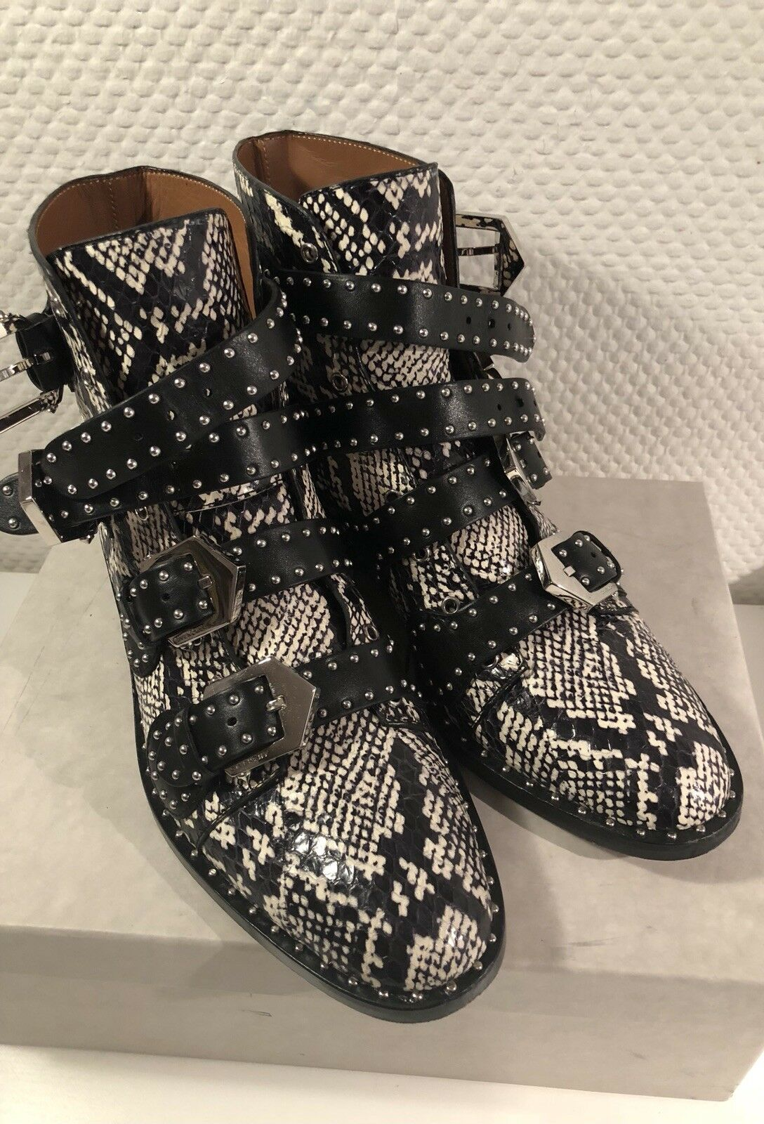 Givenchy Snake Stiefeletten Stiefel Ankle Stiefel Leder 38 (38,5) Schwarz Weiss