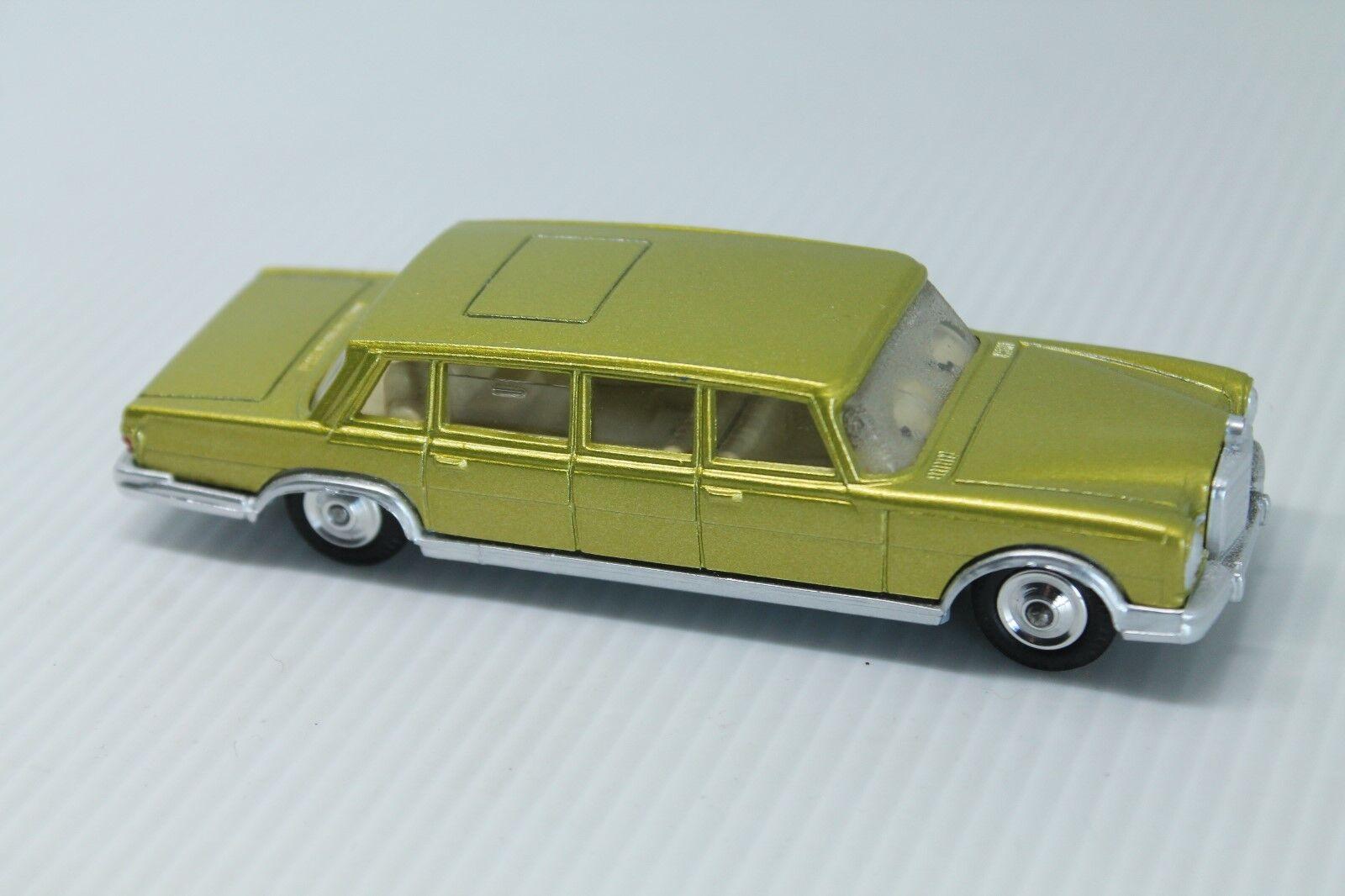 Corgi toys  Mercedes Benz MB 600  1 43  limpiaparabrisas