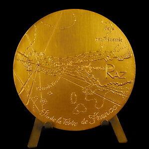 Medalla-Bretana-Punta-Raz-pasado-el-trouziard-Faro-de-la-antigua-medal