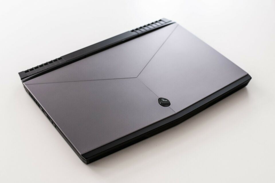 Dell Alienware 15 R3, 3,8 GHz, 8 GB ram