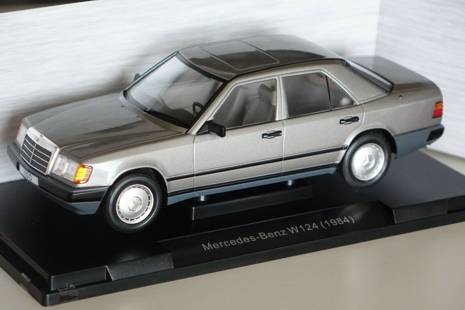 Mercedes 300 d w124 1984 gris oscuro metalizado 1 18 microg 18100 nuevo & OVP