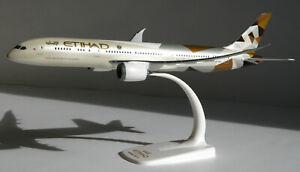 Etihad-Boeing-787-9-1-200-Herpa-Snap-Fit-610636-Flugzeug-Modell-B787-Dreamliner