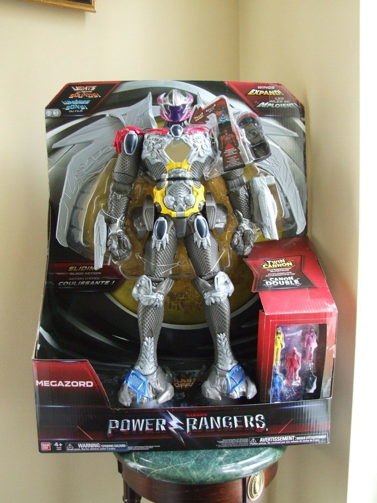 Power Rangers Megazord 17  Action Figure - NIB