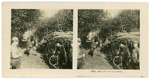 Stereo-France-Les-plantons-cyclistes-Vintage-stereo-card-Tirage-argentiq