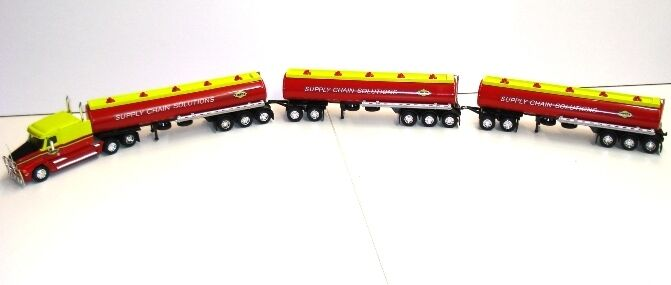 Cooee clásicos australianos Linfox Freightliner combustible petrolero Tren de carretera 1:64