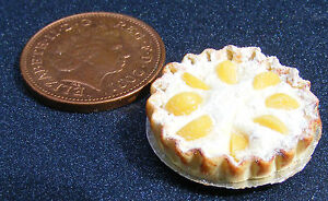 1-12-Scale-Flan-With-Peach-Slices-2-2cm-Tumdee-Dolls-House-Cake-Pie-Accessory-D2