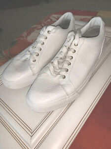 rare zara man white embossed leather low casual sneaker