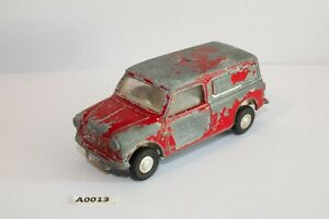 Tri-ang-SPOT-ON-Morris-Mini-Van-Royal-Mail-1-42-scale-playworn-restoration