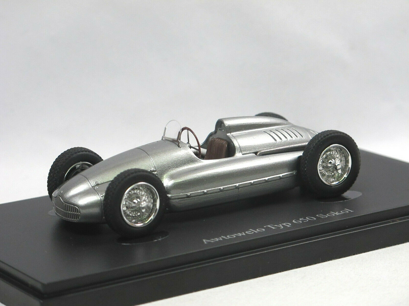 Autocult 07014 - 1952 awtowelo tipo 650 Sokol formula 2 auto da corsa DDR USSR 1:43