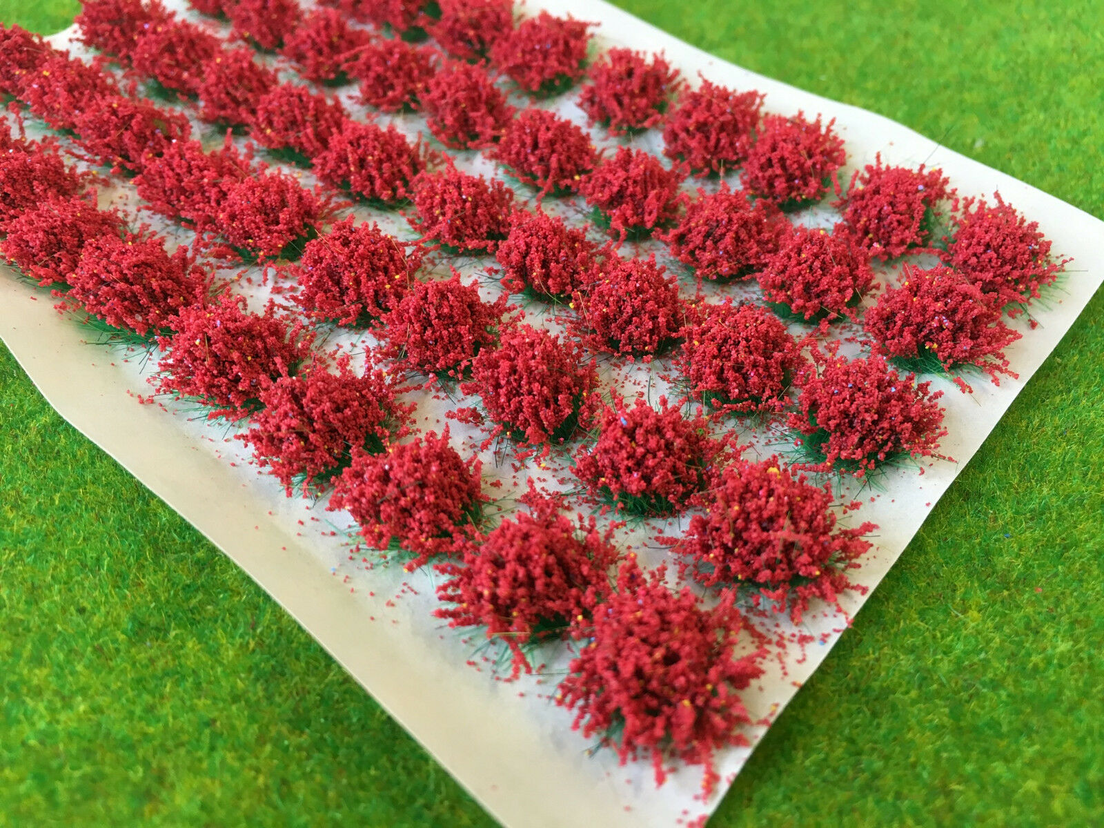 Large Red Flower Tufts - Model Scenery Static Grass Warhammer Wargame Basing