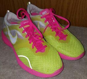 Nike sz 7.5 Women's LunarMTRL+ Running Shoes 522346-717 CUTE! EUC!
