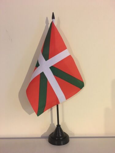 "BASQUE TABLE FLAG 9/"" X 6/"" 22.5cm x 15cm flags SPAIN"
