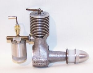 Excellent (Made In USA) 1947 Micro .152 Diesel C/L-F/F Model Airplane Engine