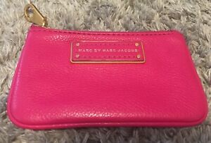 MARC-BY-MARC-JACOBS-TOO-HOT-TO-HANDLE-FUCHSIA-PEBBLED-LEATHER-KEY-POUCH