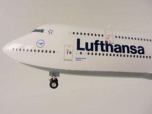 Boeing-747-8-Lufthansa-1-200-Herpa-553759-003-747-Intercontinental-553759