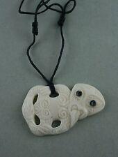 Hei Tiki Maori Bone Carving aus Neuseeland  Carving  Schmuckbox