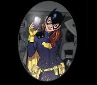 Dc Batgirl Selfie - Women's Black T-shirt -m-xl