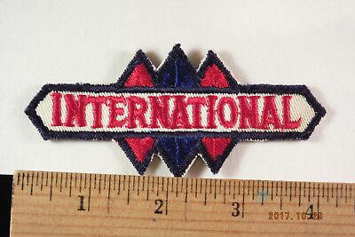 """Vintage International CAMIONS SERVICE Brodé Patch 4 /""""X 2/"""" Sew-on"""