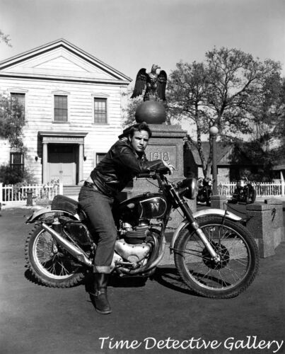 "Marlon Brando on Motorcycle in /""The Wild One/"" Celebrity Photo Print 1950"