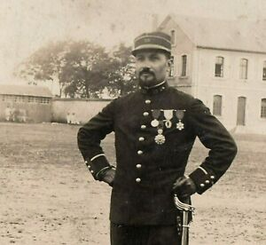 OFFICER-MEDAL-RECIPIENT-WW1-NICE-IMAGE-MOUSTACHE-RPPC-ANTIQUE-PHOTO-POSTCARD
