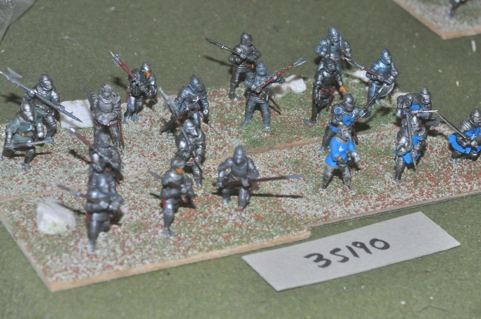25mm medieval   burgundian - men at arms (plastic) 20 figures - inf (35190)
