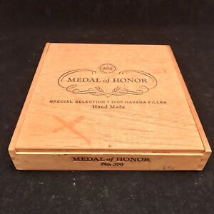 Details About Vintage Wooden Cigar Box Metal Of Honor No 300 Cigar Box