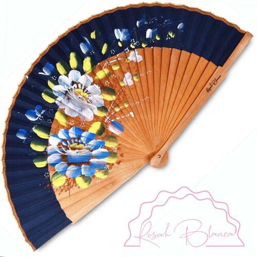 Eventail Bleu motif flora l- 23 x 42 cm en bois de poirier tissu en coton