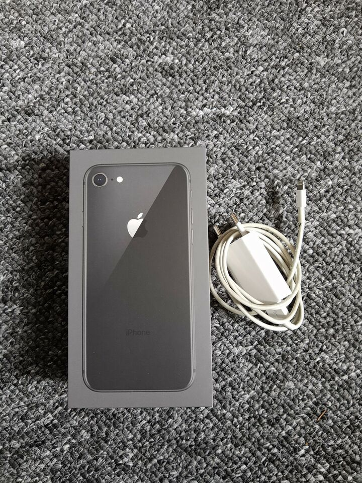 iPhone 8, 64 GB, sort