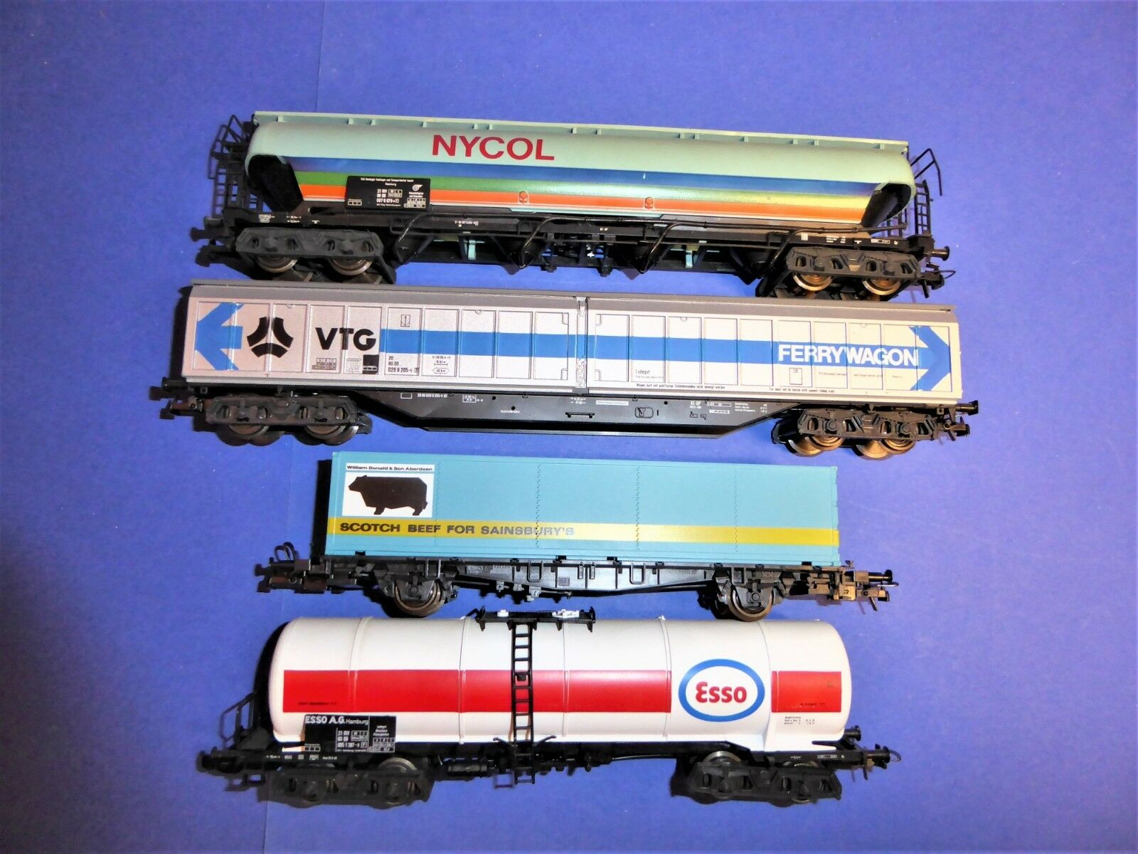 ROCO H0 ohne Box  4x DB-Güterwagen NEM&KK (22)  | Abgabepreis