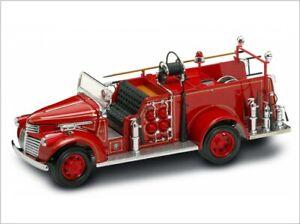 GMC-Firetruck-1941-Feuerwehr-rot-1-24-Yat-Ming