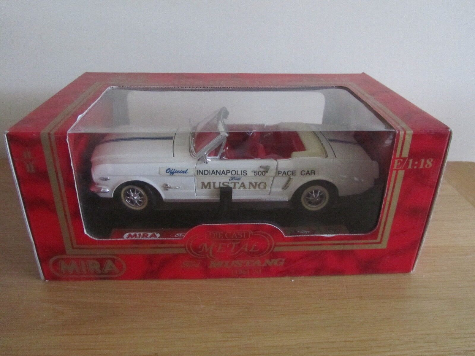 Mira oren Line échelle 1 18 Ford Mustang indi. 500 Pace Voiture DIE CAST MODEL BOXED