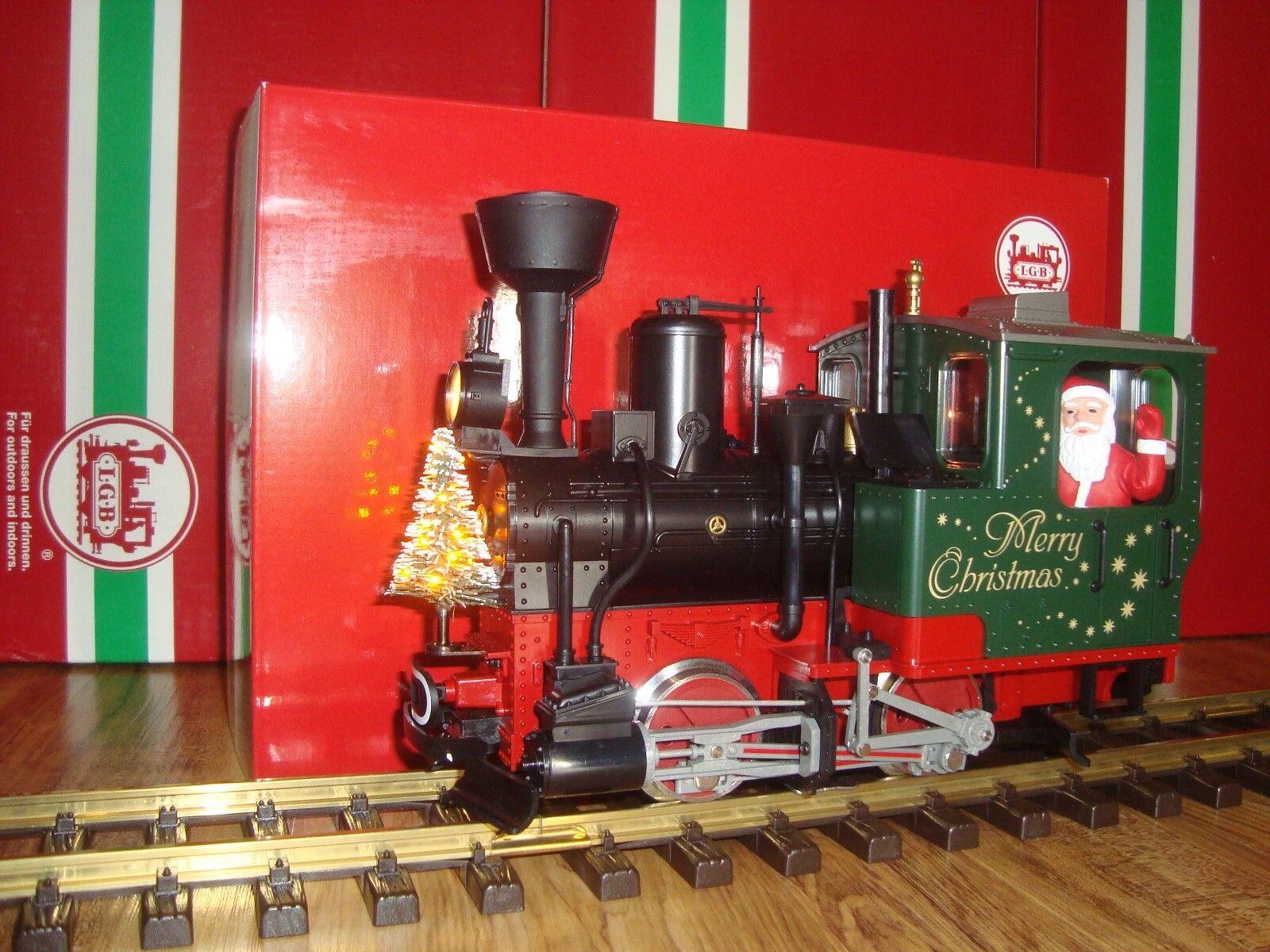 LGB 20215 verde CHRISTMAS STAINZ STEAM LOCO WITH SMOKE LIGHTED TREE & SANTA NEW