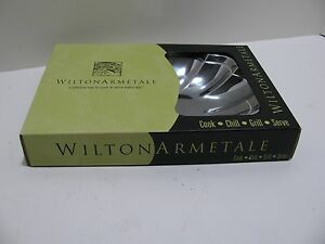 "Wilton Armetale ""Harmony"" Cook and Serve Small Bowl - New"