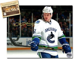 Derek Dorsett Signed 8x10 Hockey Photo - WCA Hologram Certified COA ... d5cb54315