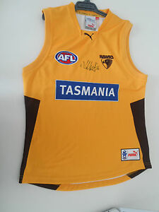 HAWTHORN-LUKE-HODGE-HAND-SIGNED-TRAINING-JERSEY-UNFRAMED-PHOTO-PROOF-C-O-A